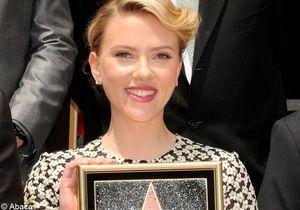 Scarlett Johansson a reçu son étoile sur le Walk Of Fame !