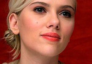 Scarlett Johansson s'engage contre le Sida