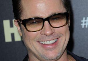 Si vous l'avez raté, regardez Brad Pitt jouer du tambourin!