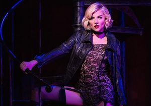 Sienna Miller super glamour pour Cabaret