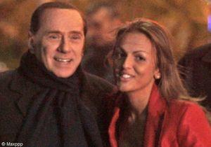 Silvio Berlusconi présente sa nouvelle fiancée de 27 ans