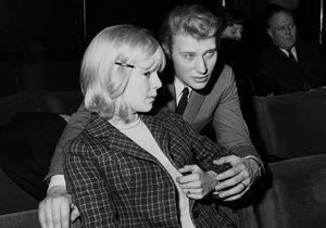 Sylvie Vartan triste que Johnny Hallyday soit « enterré si loin » de ses proches