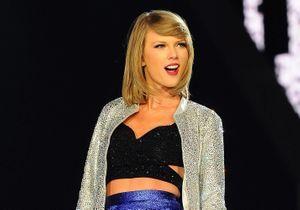 Taylor Swift rejointe sur scène par Cara Delevingne en plein concert