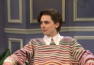 Timothée Chalamet imite Harry Styles dans « Saturday Night Live » et crée le buzz