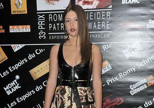 Le look du jour : Adèle Exarchopoulos reçoit le prix Romy Schneider en Louis Vuitton