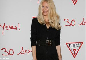 Le look du jour : Claudia Schiffer