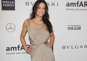 Le look du jour: Michelle Rodriguez au gala de l'amFAr sans Cara Delevingne