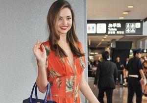 Le look du jour : Miranda Kerr, voyageuse chic !