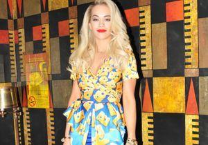 Le look du jour: Rita Ora et sa robe fromage Moschino!