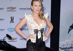 Le look du jour: Scarlett Johansson dévoile son ventre rond