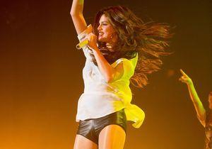 Le look du jour: Selena Gomez en concert