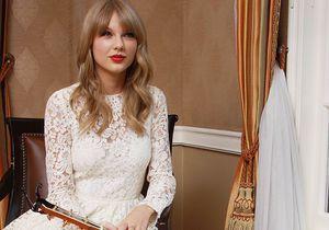 Le look du jour: Taylor Swift et sa robe en dentelle