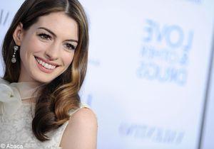 Le dressing sage et chic d'Anne Hathaway