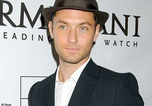 Le look casual chic selon Jude Law