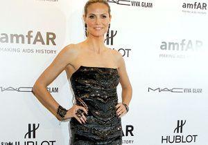 Heidi Klum rayonne en solo à la soirée de l'amfAR