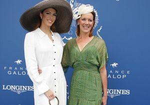 Iris Mittenaere et sa mère, Julie Gayet, Simon Baker : concours de looks au Prix de Diane