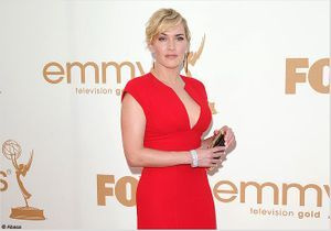 Kate Winslet sublime aux Emmy Awards