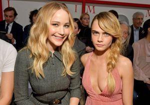Cara Delevingne et Jennifer Lawrence, complices au défilé Dior