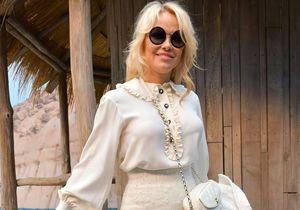Les photos dingues de Pamela Anderson et Laura Smet à la plage dans Paris pour Chanel !