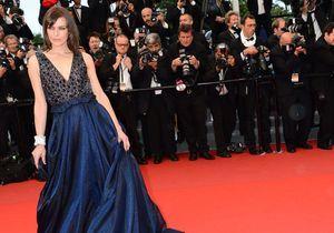 Milla Jovovich, ensorcelante sur les marches de la Croisette