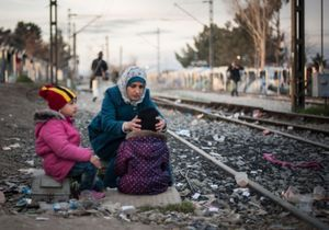 « L'incroyable courage » des femmes réfugiées sur la route