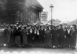 En images : quand les Françaises ont voté pour la première fois