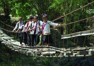 L'épopée de 8 enfants sur les chemins de l'école à travers le monde
