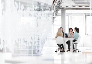 Egalité au travail : des chercheurs interpellent Marlène Schiappa
