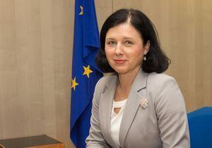 « L'Europe doit offrir de meilleures conditions aux parents pour combiner travail et famille »