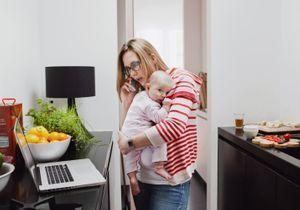 #VieDeMère : 10 tweets qui prouvent qu'être mère au travail, c'est encore très compliqué