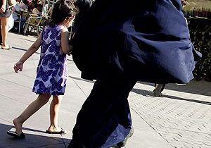 2000 femmes porteraient la burqa en France