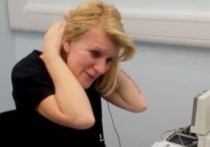 Née sourde, elle entend pour la première fois