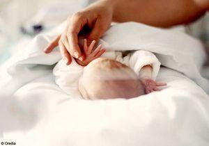 Accouchement sous X : le bébé reste chez ses grands-parents