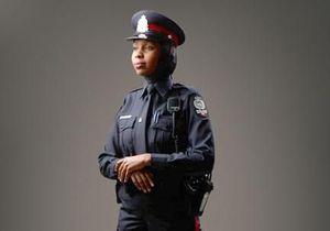 Canada : un uniforme spécial pour les policières voilées