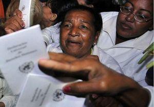 Cuba :malgré les insultes, les «Dames en blanc» tiennent bon