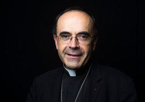 Des femmes prêtres ? « Jamais ! », répond le cardinal Barbarin