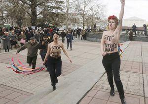 Deux Femen arrêtées après une action anti-Poutine en Crimée