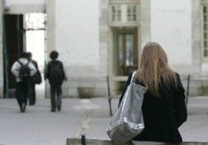 Éducation : les profs descendent dans la rue