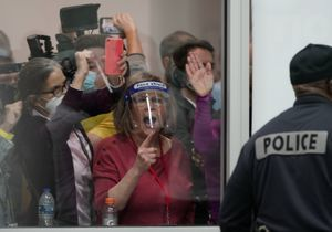 Élections américaines : des manifestants pro-Trump perturbent le dépouillement