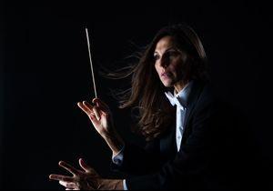 Elle lance le 1er concours dédié aux femmes cheffes d'orchestre