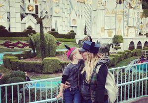 """Embrasser son enfant sur la bouche, c'est """"choquant"""" ? Hilary Duff répond"""