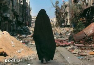 Extraits exclusifs : « Embrigadée », le témoignage poignant de la mère de Léa, 16 ans, partie en Syrie avec un djihadiste