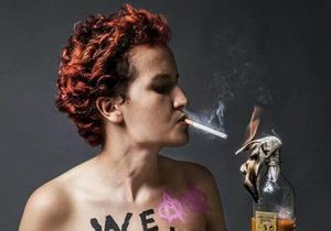 Femen : Amina claque la porte
