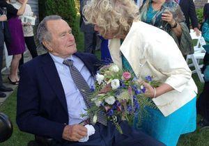 George Bush père guest star au mariage de deux femmes