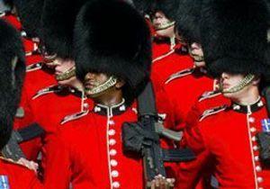 Grande-Bretagne : bonnets d'ours, bonnets d'ânes