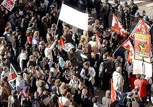 Grèves dans toute la France, le gouvernement ne faiblira pas