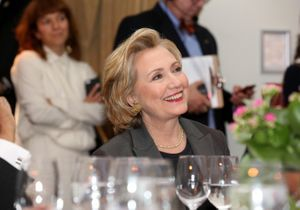 Hillary Clinton, star d'un cocktail au Quai d'Orsay