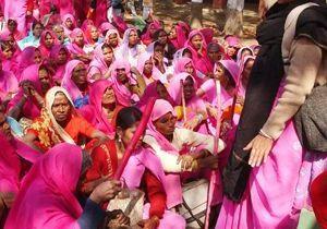 Inde : le gang des femmes en rose a encore frappé !