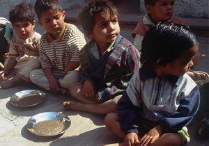 Inde : les enfants ont peur d'être empoisonnés à l'école