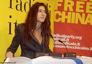 Italie: Fausse bimbo, vraie candidate